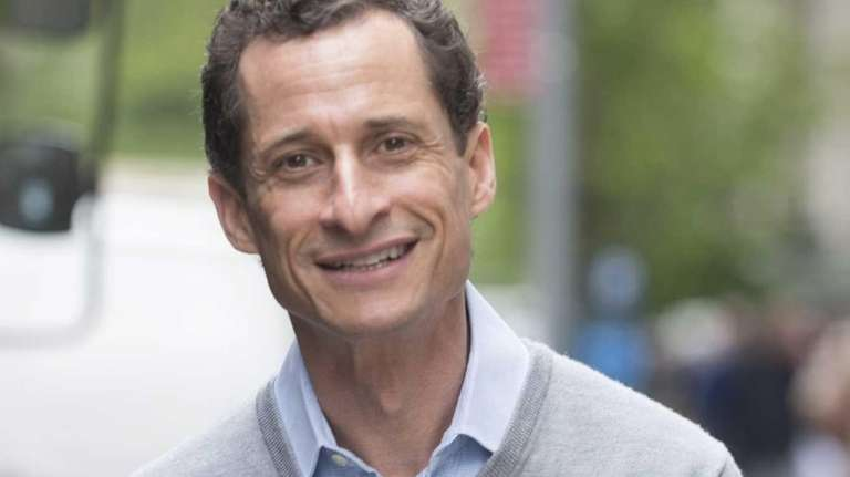 Anthony Weiner is questioned by the media as
