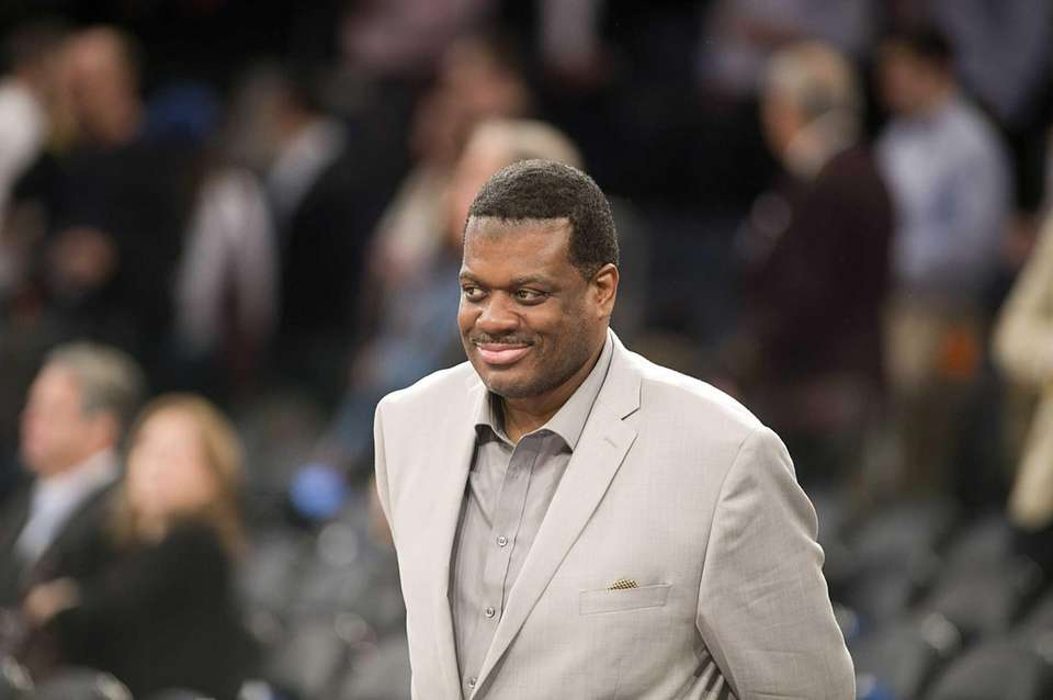 Fomer Knick Bernard King smiles before the start