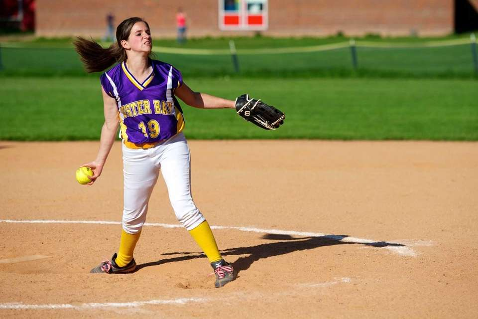 Oyster Bay pitcher Dana Galgano (19) delivers the