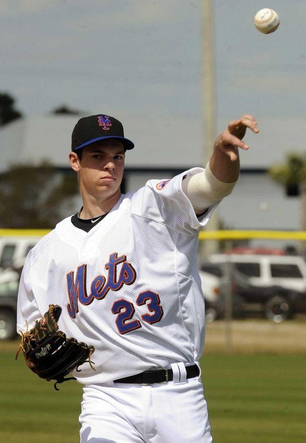 Mets pitching prospect Steven Matz plays long toss