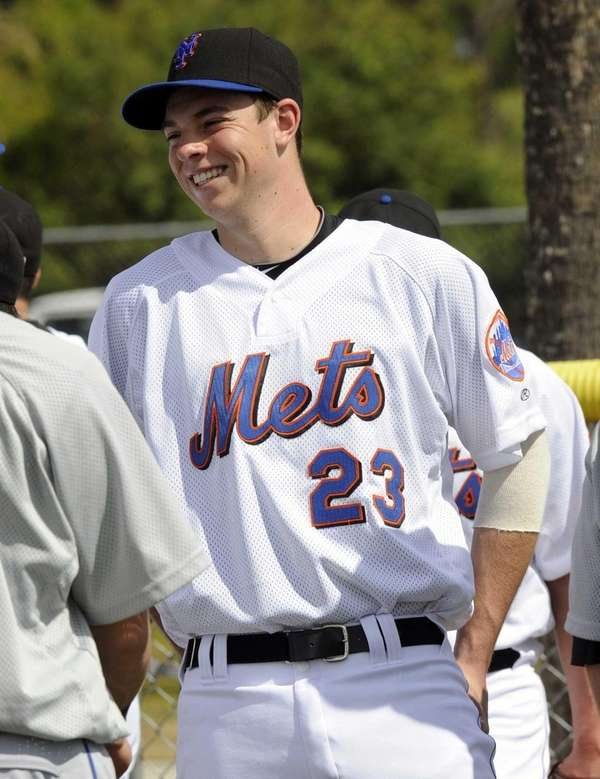 Mets pitching prospect Steven Matz relaxes with teammates