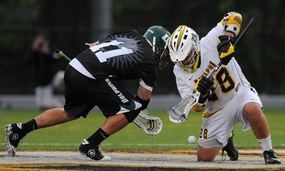 Adelphi University's Gregory Puskuldjian, right, and Le Moyne