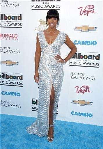 Kelly Rowland arrives at the Billboard Music Awards