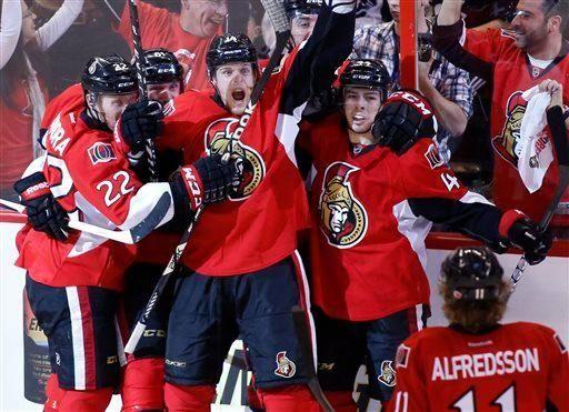From left, the Ottawa Senators' Erik Condra, Andre