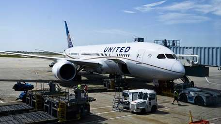 United Airlines is getting its 787s back in