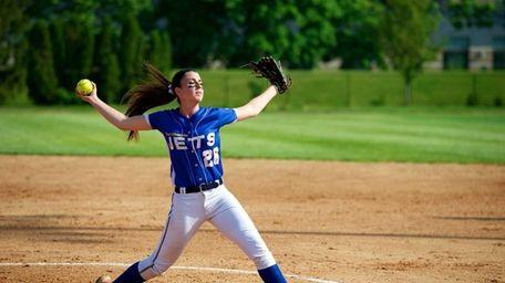 East Meadow pitcher Kerri Shapiro (26) delivers a