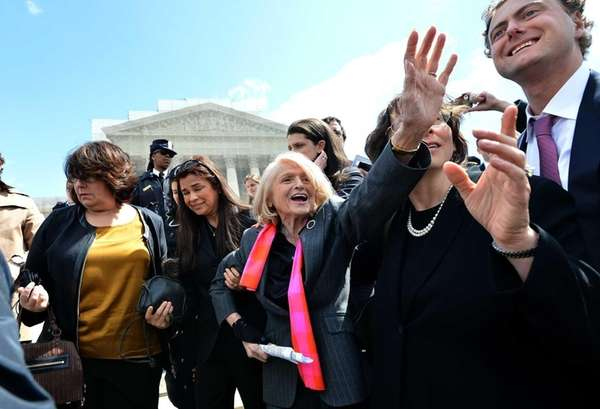 83-year-old lesbian widow Edie Windsor greets same-sex marriage
