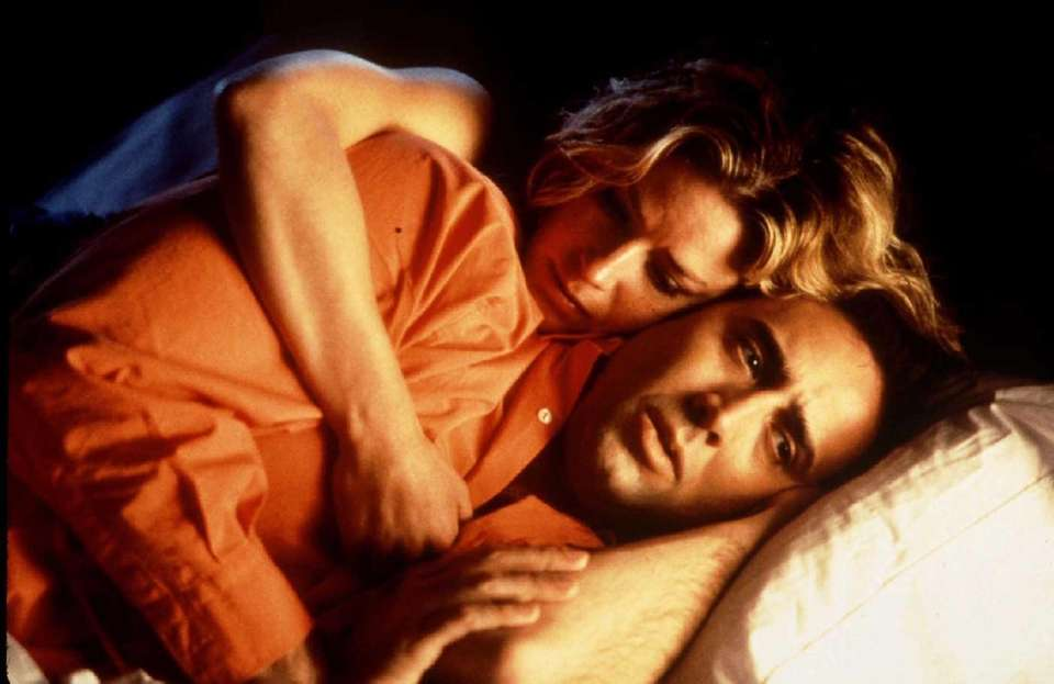 Elizabeth Shue and Nicolas Cage star in