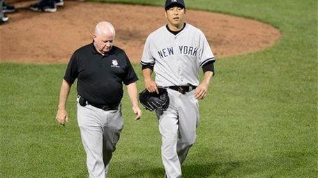 Hiroki Kuroda exits with an injury during the