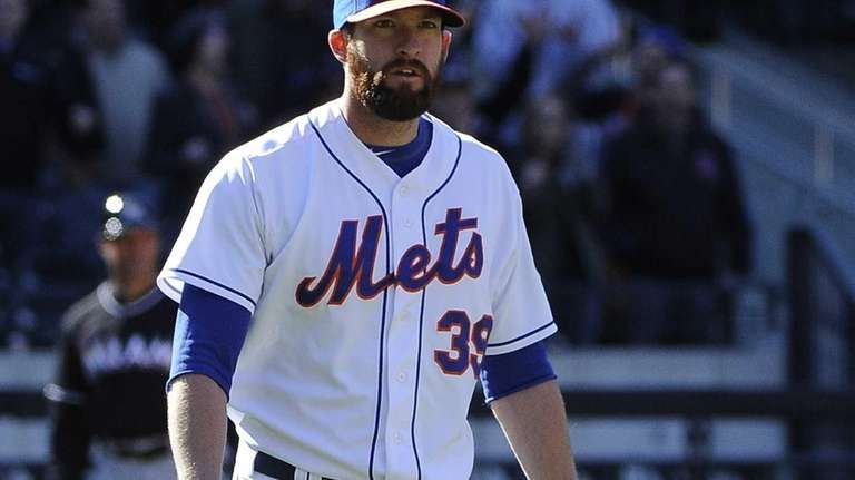 Mets pitcher Bobby Parnell reacts after the final
