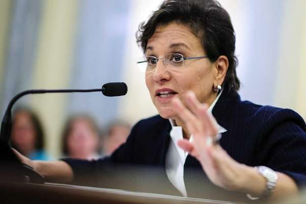 Republican senators say that Chicago billionaire Penny Pritzker,