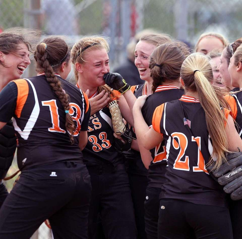 East Rockaway celebrates its win over Locust Valley.
