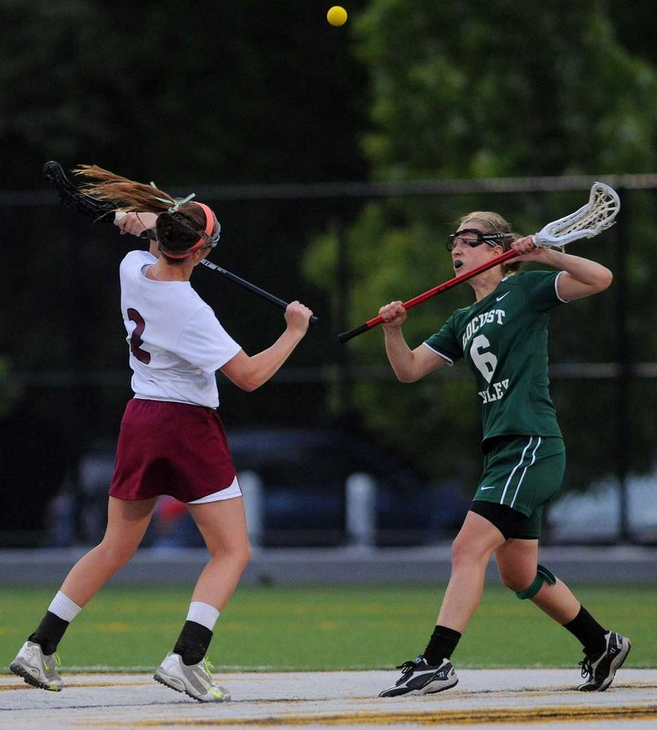 Locust Valley's Bairre Reilly, right, and North Shore's