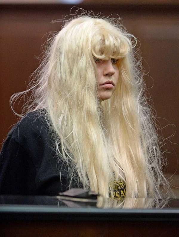 Amanda Bynes appears in court in Manhattan facing