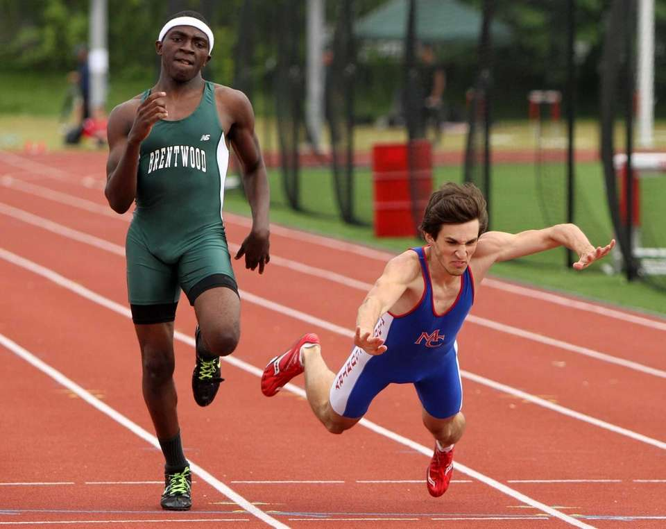 Mohammad Abubakar of Brentwood wins the 400 Meter