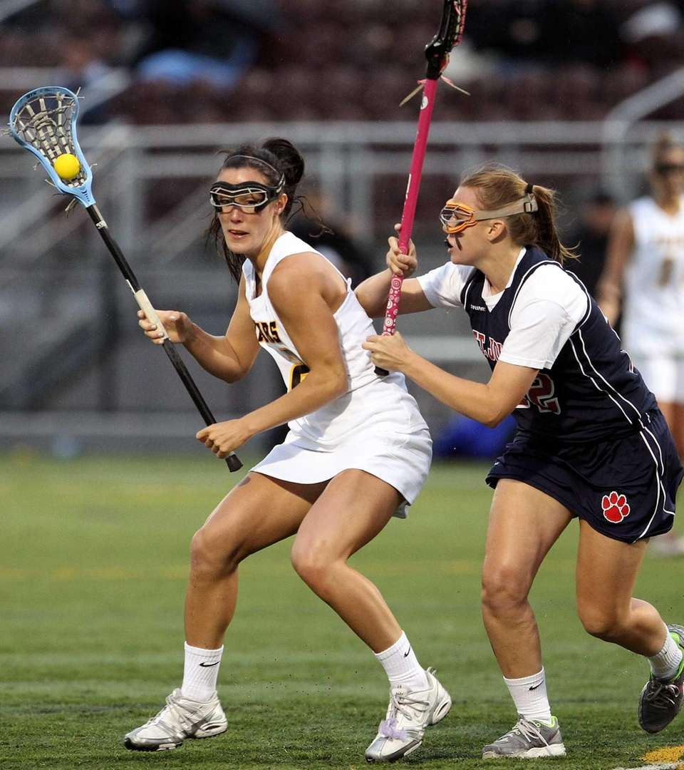 St. Anthony's Maggie Bill looks to get the