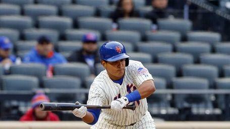 Ruben Tejada of the New York Mets pops
