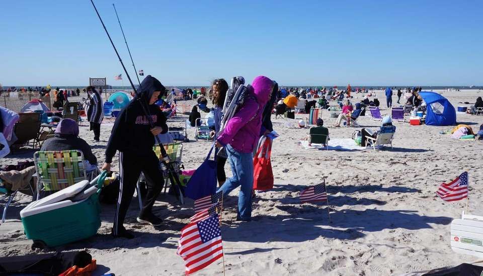 People arrive for the 2013 Bethpage Air Show