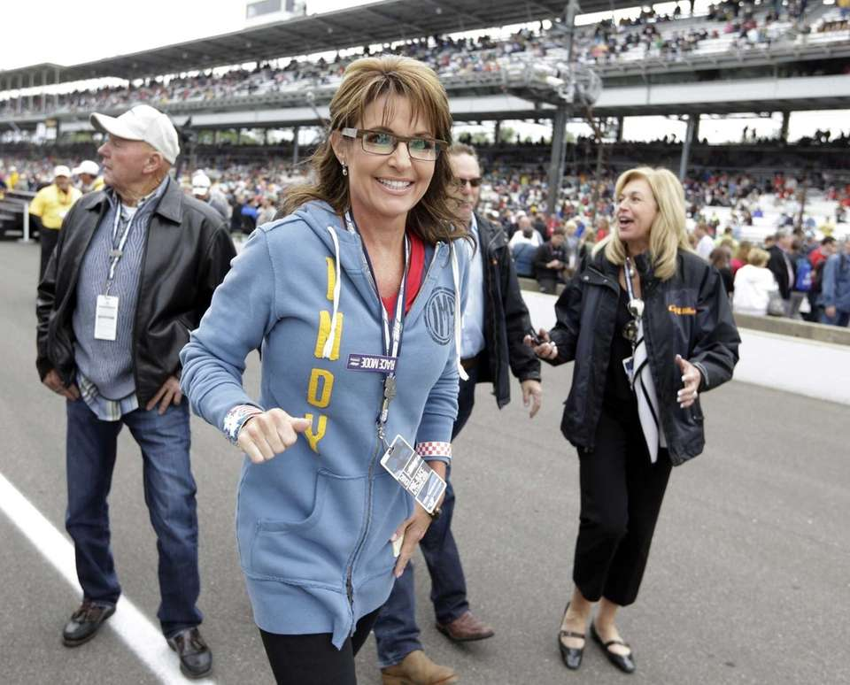 Former vice presidential candidate Sarah Palin walks through