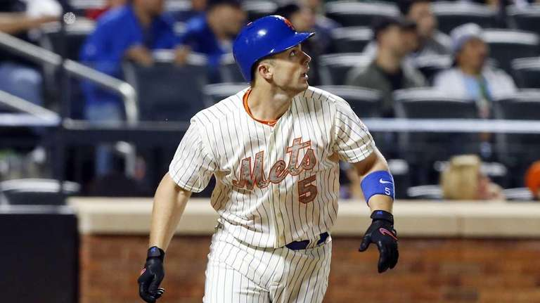 David Wright of the New York Mets follows