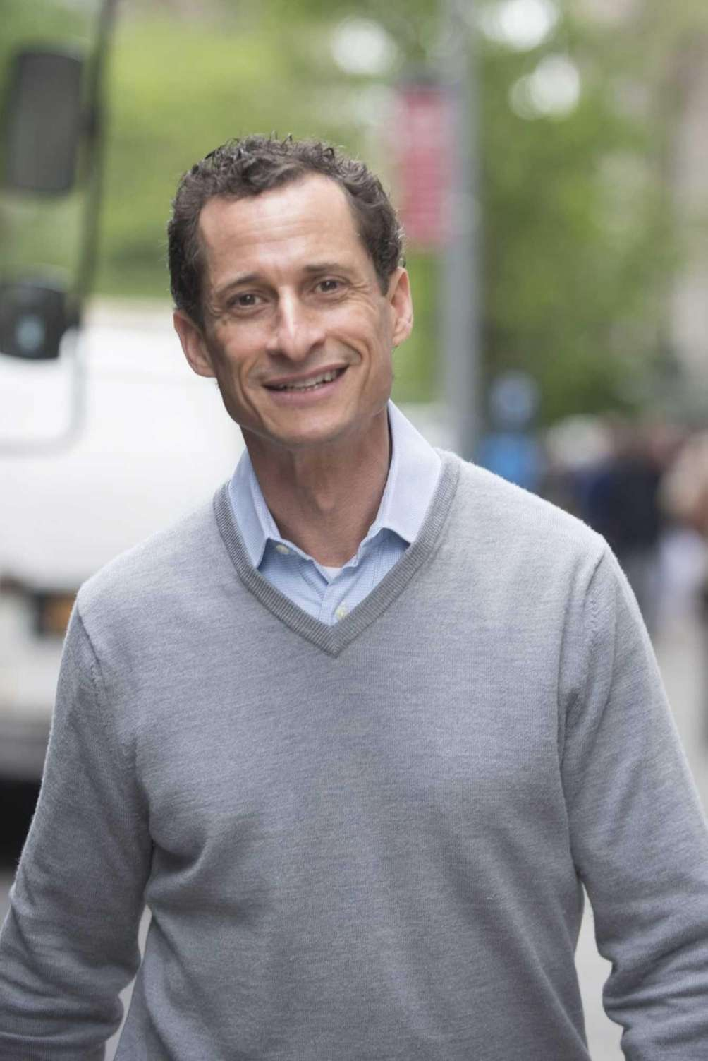 Anthony Weiner leaves his Park Avenue South apartment