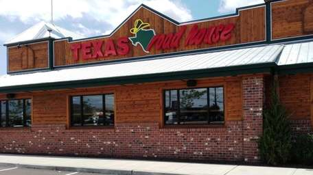 A new branch of Texas Roadhouse comes to
