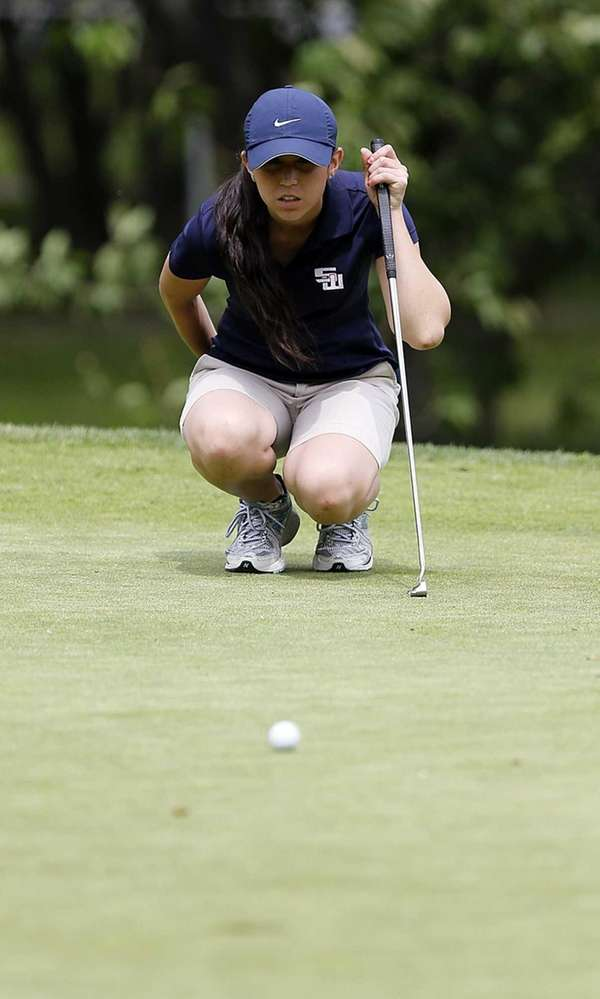 Smithtown West's Kaitlin Clancy lines up her putt