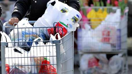 An effort to ban plastic bags from stores