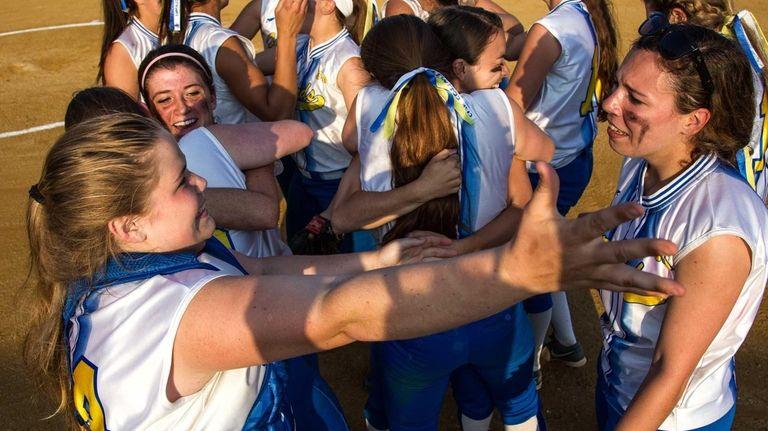 Kellenberg celebrates after winning the CHSAA state softball