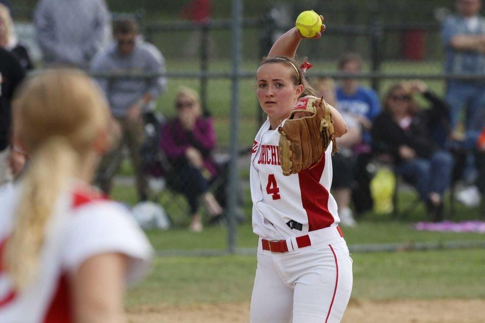 Center Moriches' Kiley Nolan throws to first base