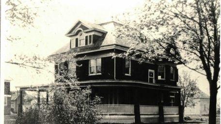 Historical photo of the Kellogg House in Baldwin,