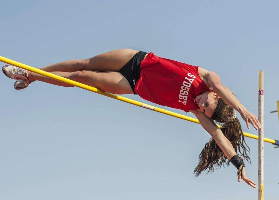 Syosset's Jade Knaster wins the girls pole vault
