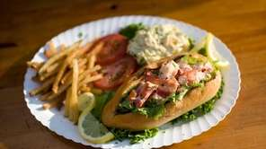 The lobster roll at Artie's South Shore is