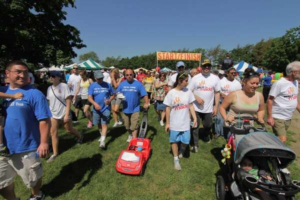 Walkers walk in the MADD Long Island Affiliate