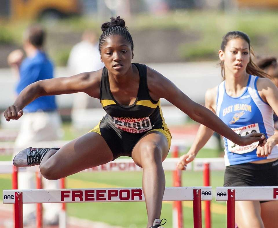 Uniondale's Crystal Green wins the girls 100 meter