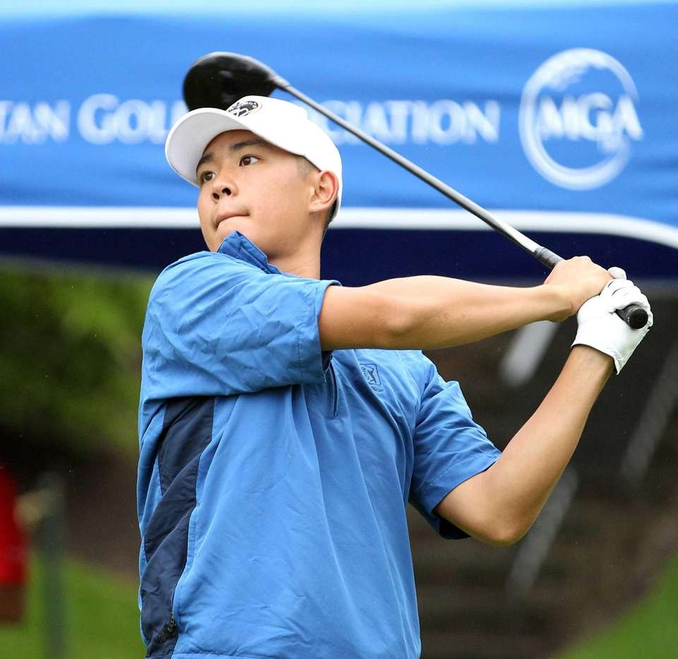 Long Islander Willis Huynh tees off on first