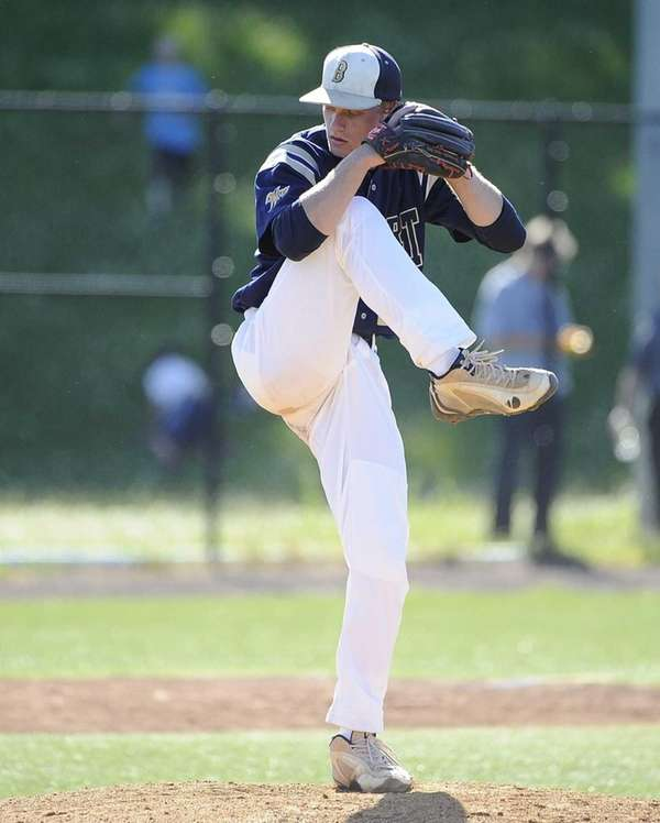 Bayport-Blue Point starting pitcher Jack Piekos Clarke delivers