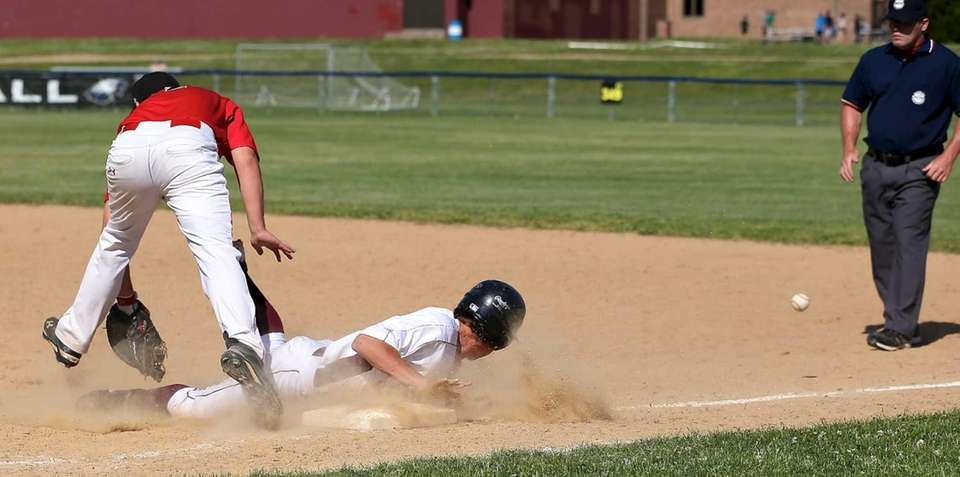 Wheatley's Tommy Gillette can't grab the pick-off attempt