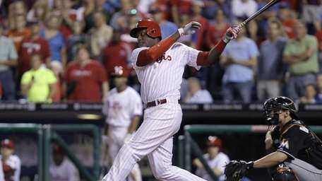 Phillies hitter John Mayberry Jr. hits a game-winning