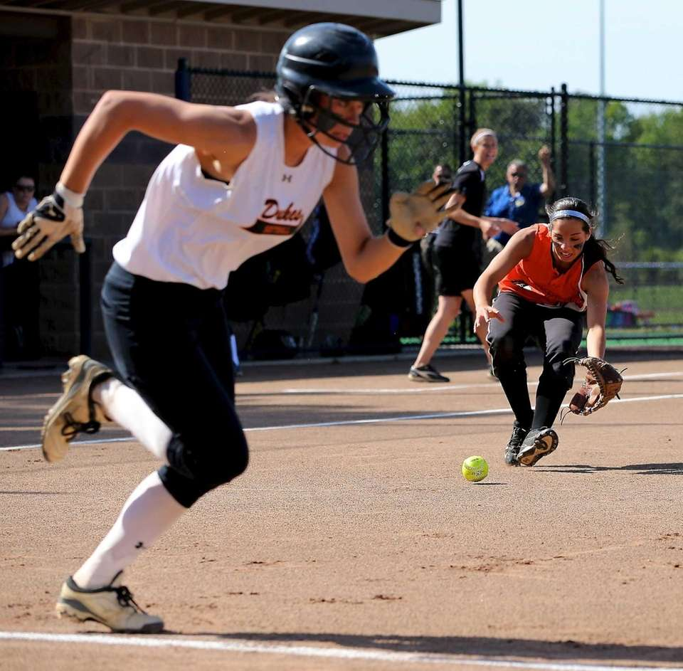 Babylon 3rd baseman Brianna Goodfellow plays a bunt