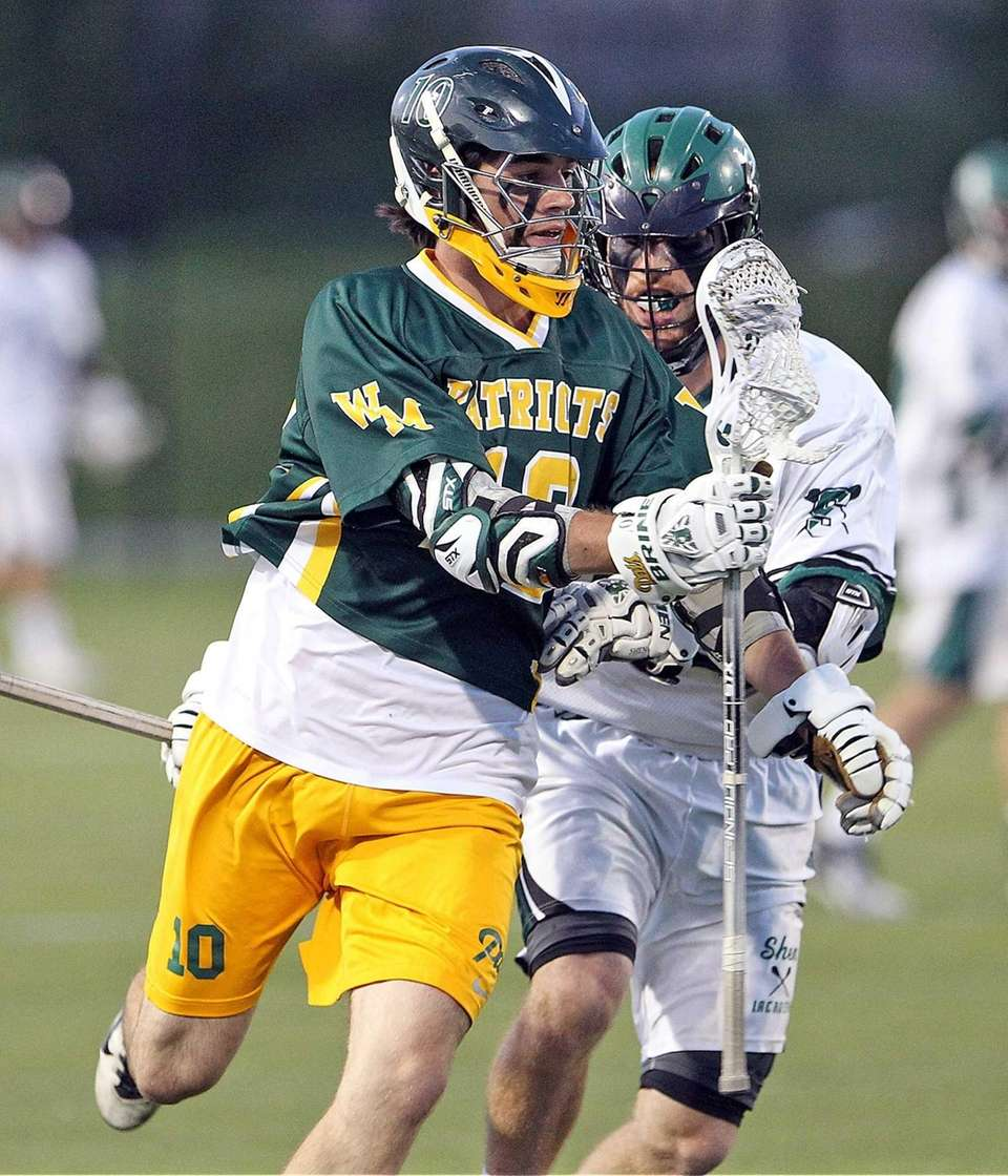 Ward Melville's Brendan Dooley gets downfield during the