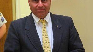 Saddle Rock mayor Dan Levy who accused Sasha