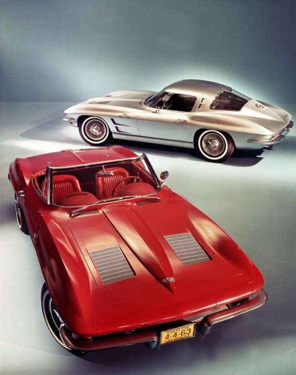 A pair of 1967 Chevrolet Corvette Sting Rays