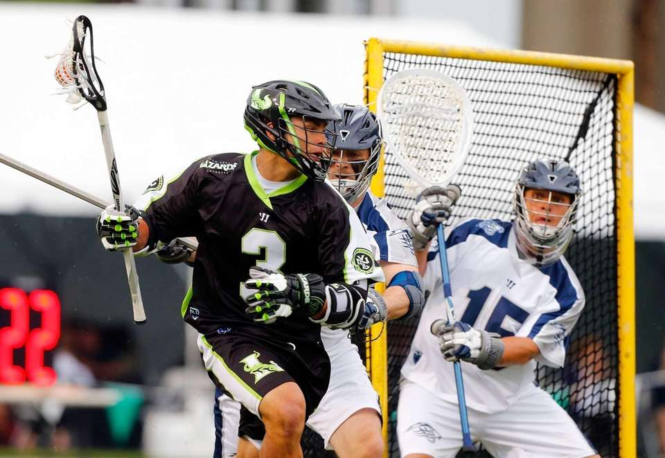 Rob Pannell of the New York Lizards moves