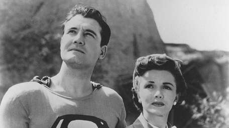 George Reeves and Phyllis Coates starred in the