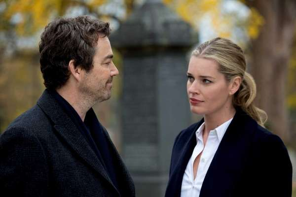 Jon Tenney and Rebecca Romijn in TNT's private