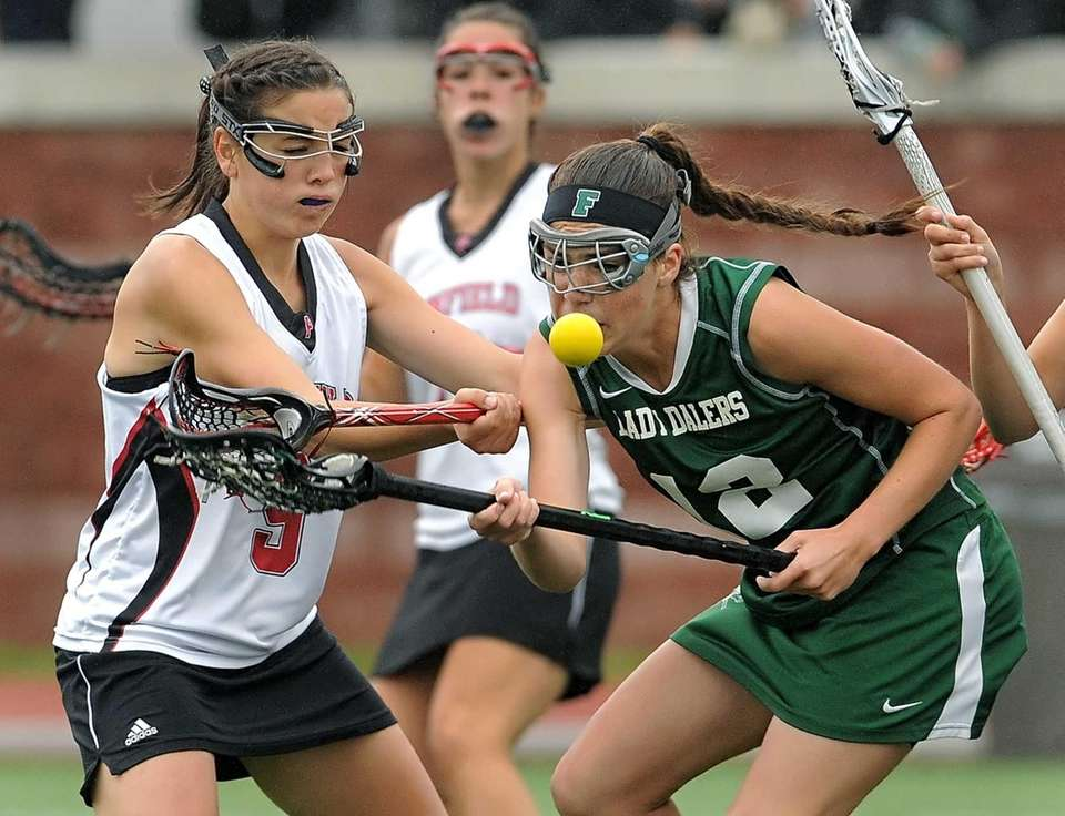 Farmingdale's Laura Fullam, right, and Penfield's MacKenzie Maring