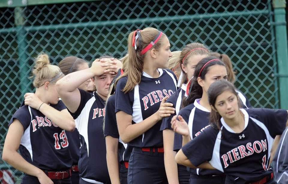 Pierson players react after a 7-0 loss against