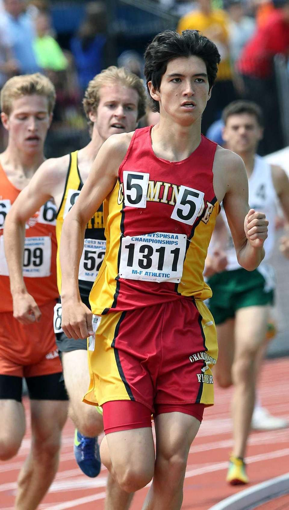 Chaminade's Sean Kelly takes third during the 1600