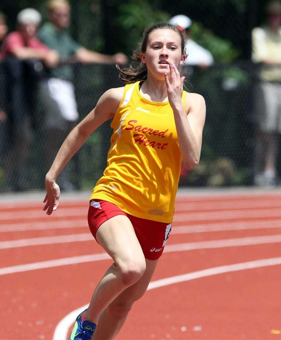 Sacred Heart's Mary Kate Kenny comes in 7th